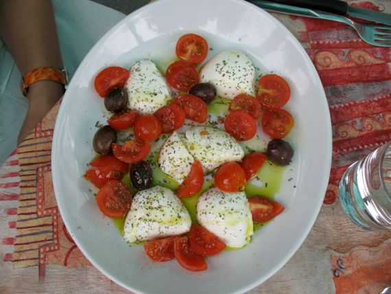 Caprese Salad from Spinach Tiger