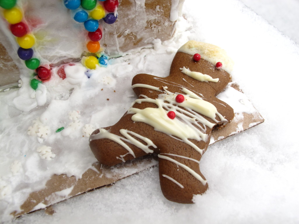 Italian christmas Cookies: Gingerbread Man Cookie with White Chcolate by Angela Roberts