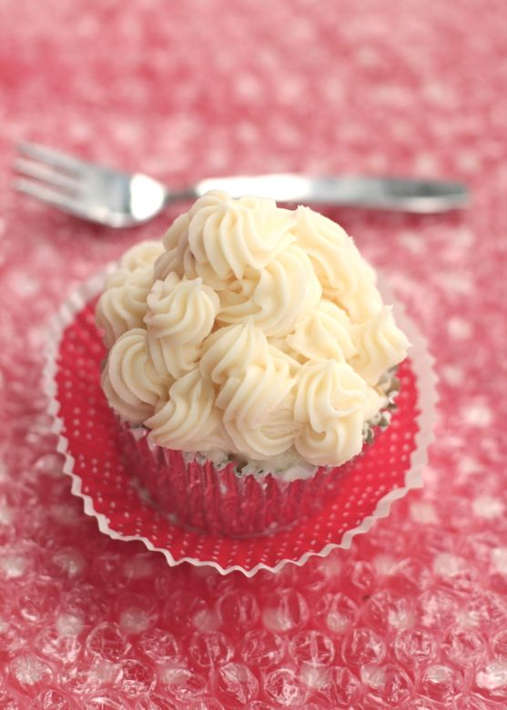 Post image for Two Perfect Recipes for the Best Cream Cheese Frosting