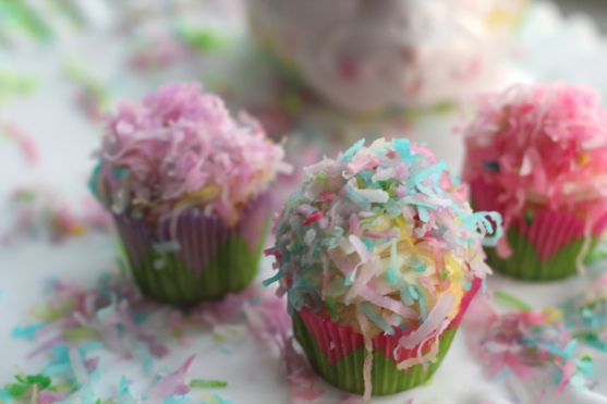 Post image for How to Color Coconut for the Prettiest Coconut Cupcakes