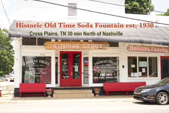 Drug Store Near Me >> Thomas Drugs Old Time Soda Fountain Operating Since 1930 in Crossplains,TN - Spinach Tiger