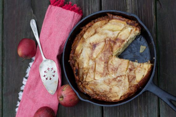 Apple Dutch Baby. How to make Pennsylvania Dutch Pancake by Spinach Tiger