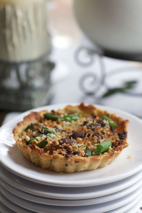 Post image for Green Bean Mushroom Onion Tart in Sage Crust: A Five Star Makeover for Green Bean Casserole