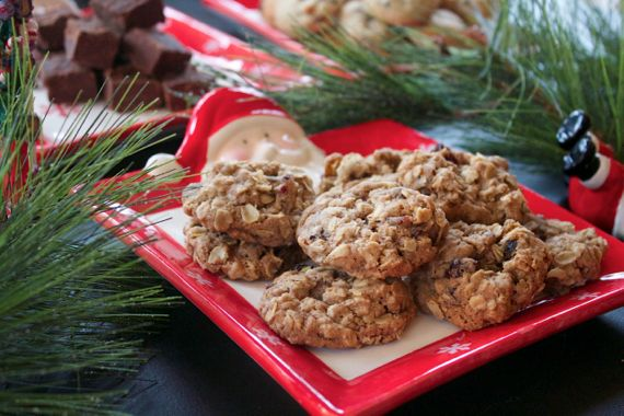 Italian Christmas Cookies: Cherry Oatmeals Cookies from spinach Tiger