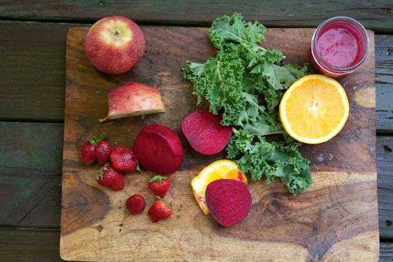 How to Make a Red Beet Vitamix Smoothie Recipe by Spinach TIger