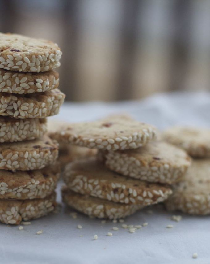 Italian Date and Sesame Seed Cookie by angela roberts