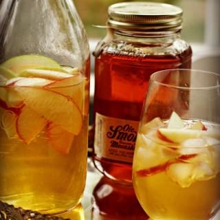 Apple Pie Moonshine Sangria Cocktail