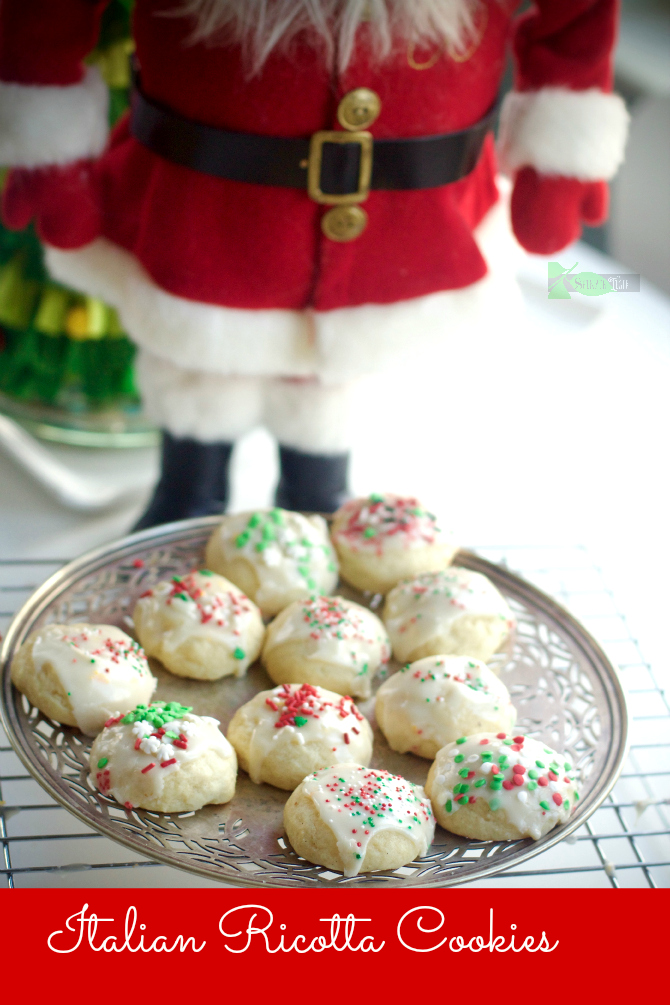 Italian Ricotta Christmas Cookies by Spinach Tiger
