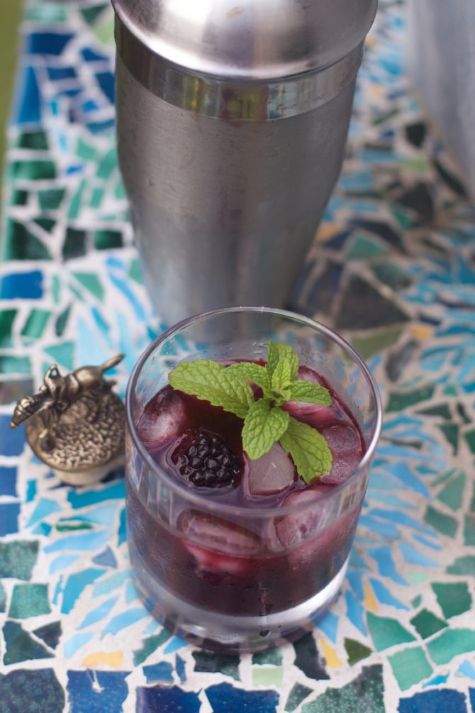 How to Make a Blackberry Mint Julep by Angela Roberts