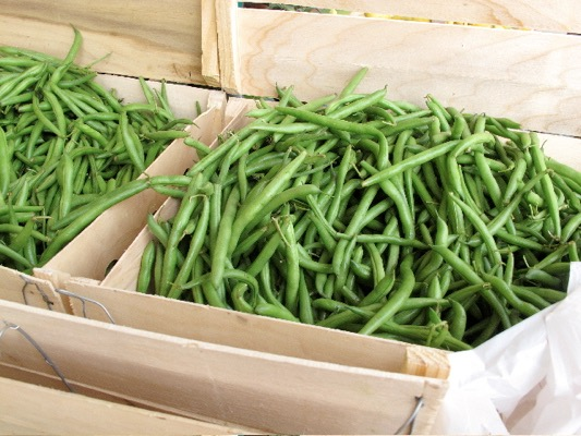 Fresh Green Bean Recipes start with Fresh Green Beans by Spinach Tiger