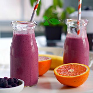 How to Make a Blueberry Banana Smoothie