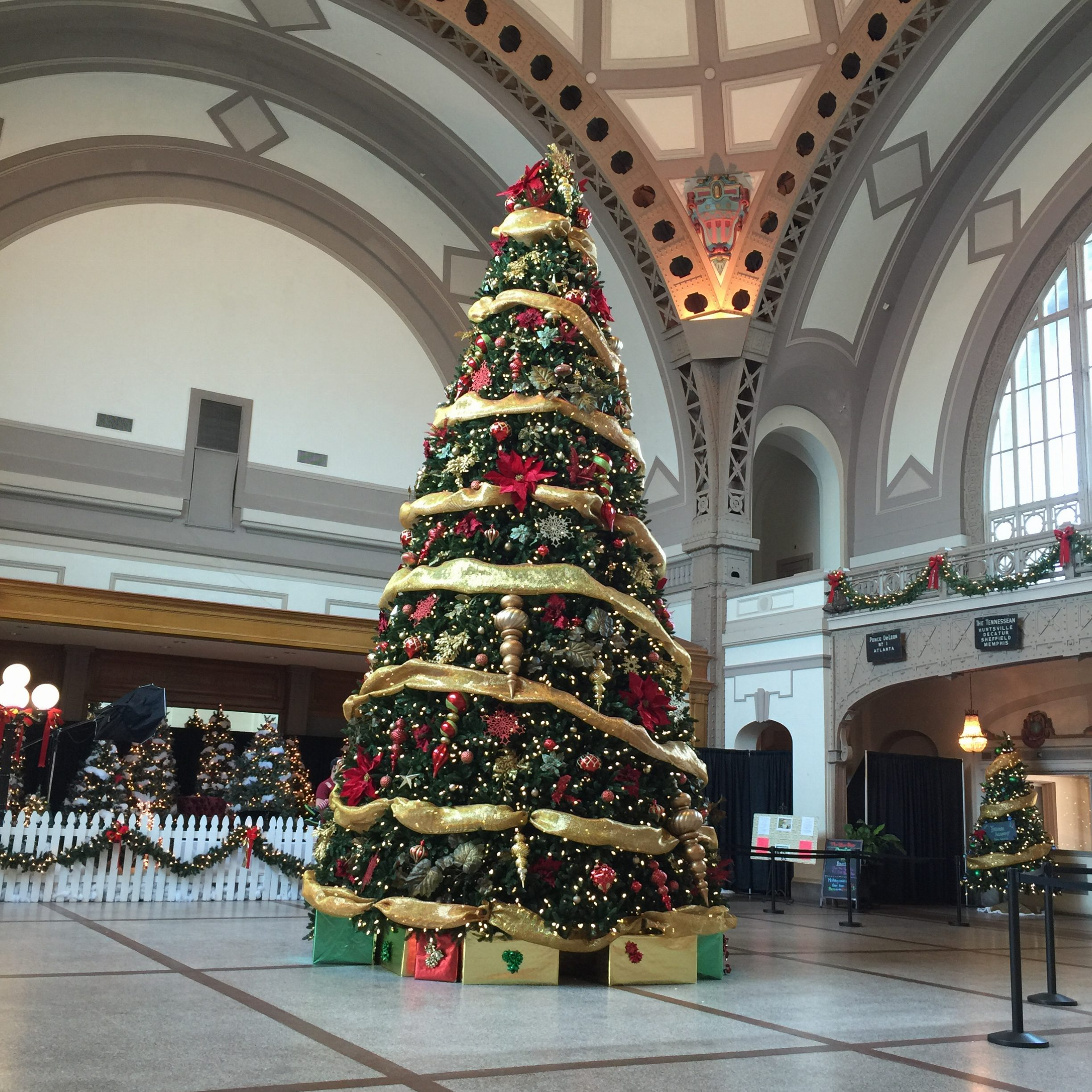 Lobby at Christmas at the Chattanooga Choo Choo Hotel from Spinach Tiger