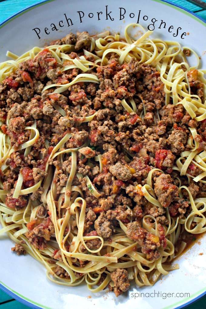 How to Make Pork and Peach Bolognese from Spinach Tiger