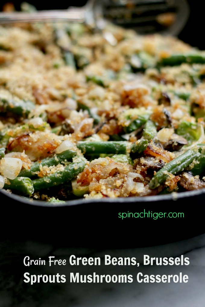 Low Carb, Keto, Paleo, Gluten Free Green Bean Casserole for the best and healthiest holiday. #greenbeanholiday #keto #thanksgivingrecipe #ketorecipe #spinachtiger via @angelaroberts