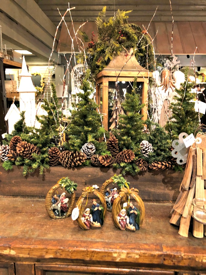 Christmas store and Christmas at Dollywood from Spinach Tiger