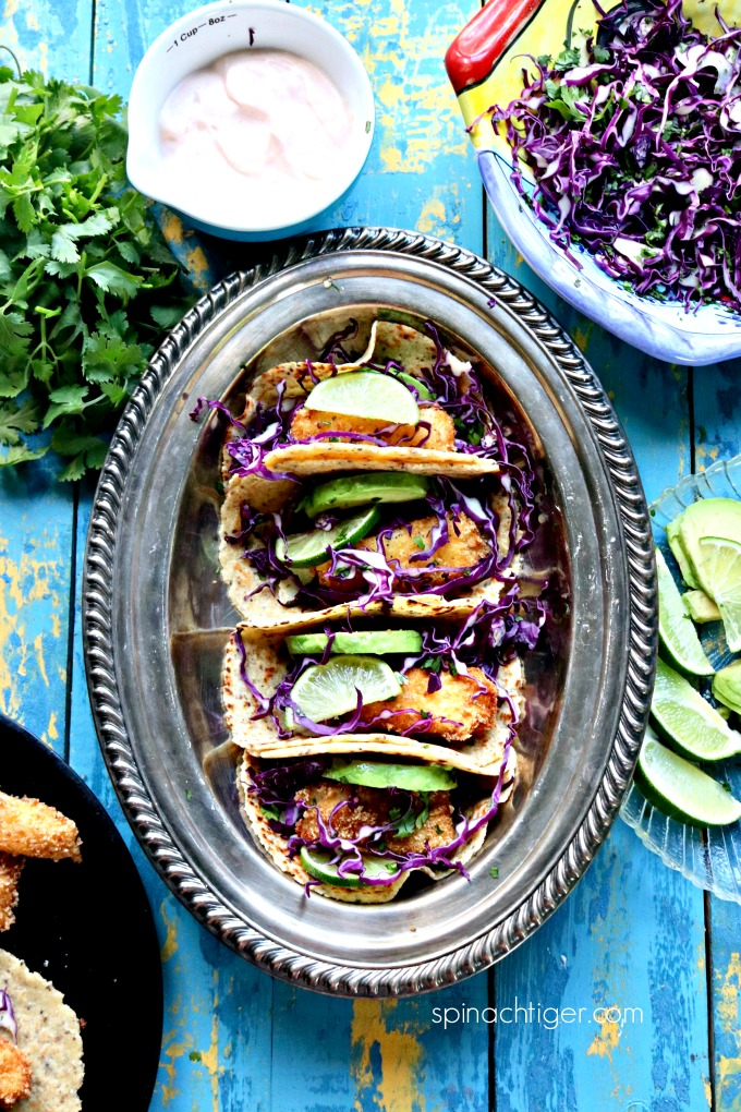 Keto Fried Fish Tacos with Red Cabbage from Spinach Tiger