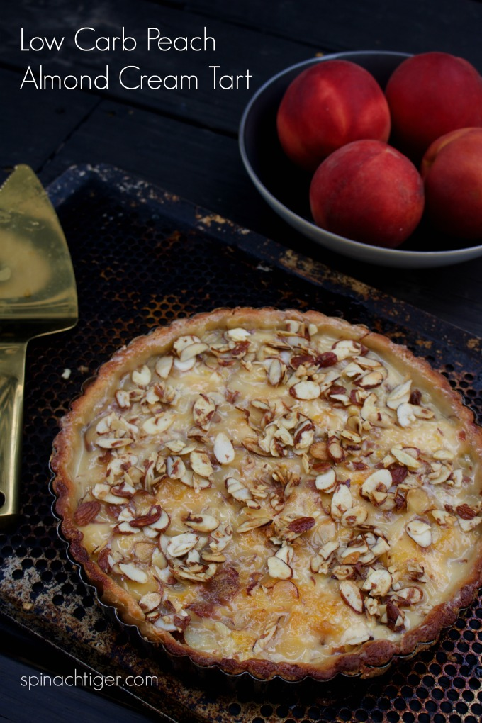 Low Carb Peach ALmond Tart from Spinach Tiger #lowcarb #ketoTart #Ketopeachtart #grainfree