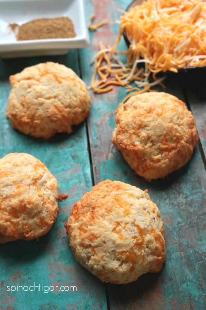 keto cheddar bay biscuits, gluten free